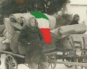 Talijanska djevojčica napušta sa svojom obitelji svoj dom. Između 1945. i 1950. mnogi gradovi Kvarnera i Istre opustošeni su egzodusom stanovništva. Među onima koji su napustili svoje domove bilo je i mnogo Hrvata.
