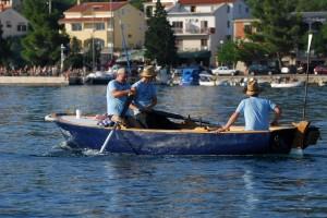 barka vesla more brod