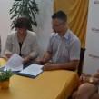 Tamara Sergo iz Zagrebačke banke i ravnatelj Festivala Opatija Ernie Gigante Dešković potpisuju sporazum o financiranju