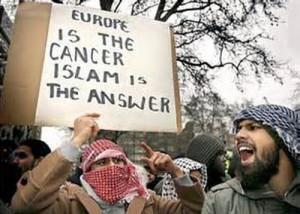 Angry-Muslim-Protestors