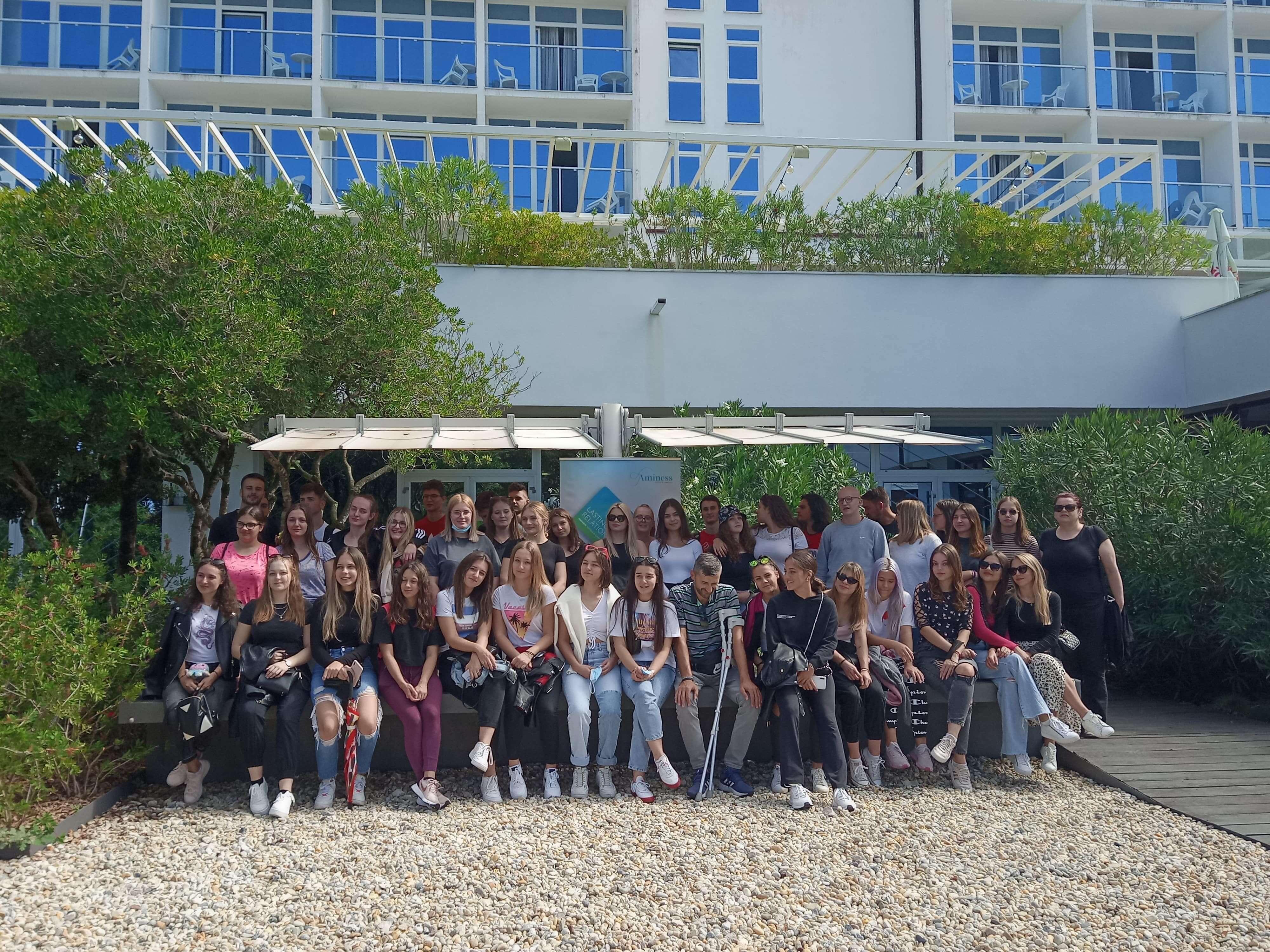Aminess na Krku ugostio srednjoškolce iz područja pogođenog potresom (1)